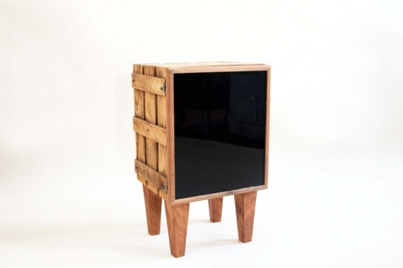 whiskey-crate-sidetable-st18-800x533