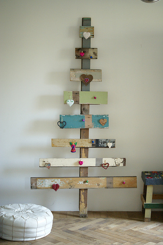 upcycle-eco-friendly-christmas-tree