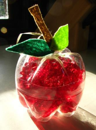 Plastic bottle apple - Image: Joyful Jewish